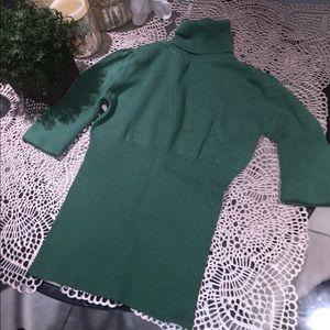 Tops - Green Short Sleeve Turtleneck